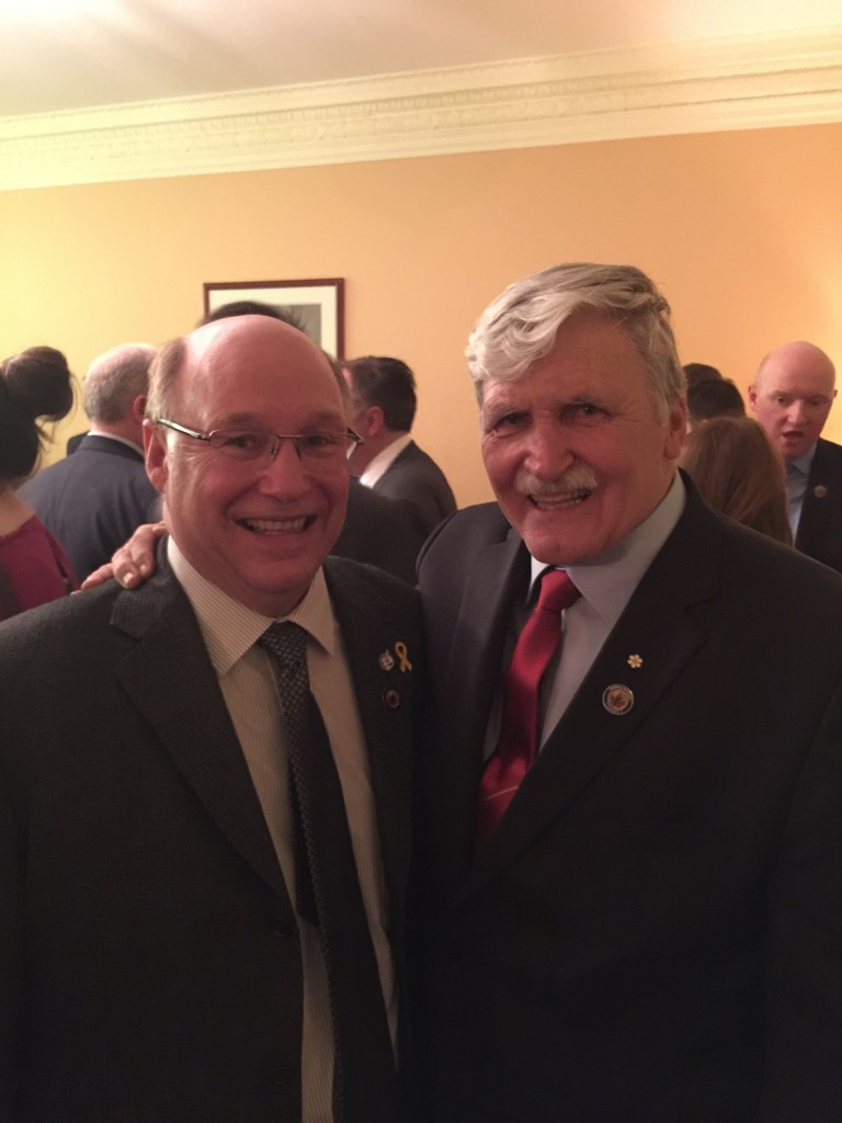 Dr. Kitchen and Lieutentant-General The Honourable Roméo A. Dallaire, O.C., C.M.M., G.O.Q, M.S.C., C.D., (RETIRED)
